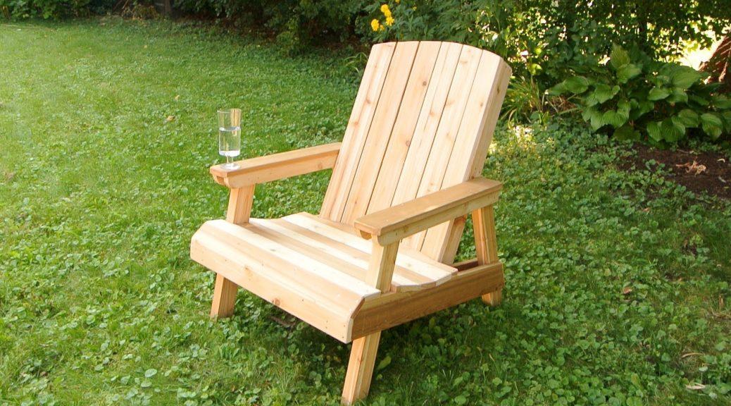 Drvena stolica za baštu