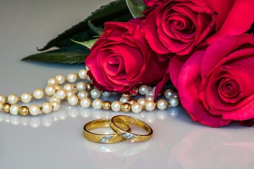 nakit i pozivnice za svadbu